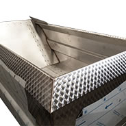 Fixed steainless steel sideboard. Height: 20 cm