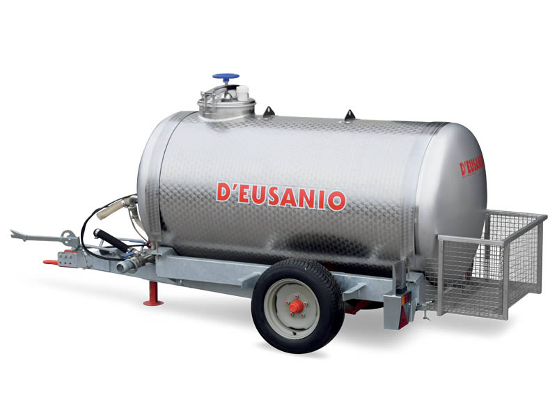 Water tanker trailer. Up to 6.000 kg capacity