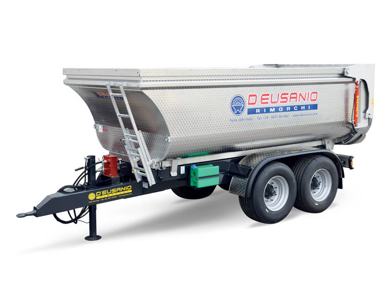 Dumper trailer for transport fitted with rear hydraulic Tilting system. Up to 14.000 kg capacity