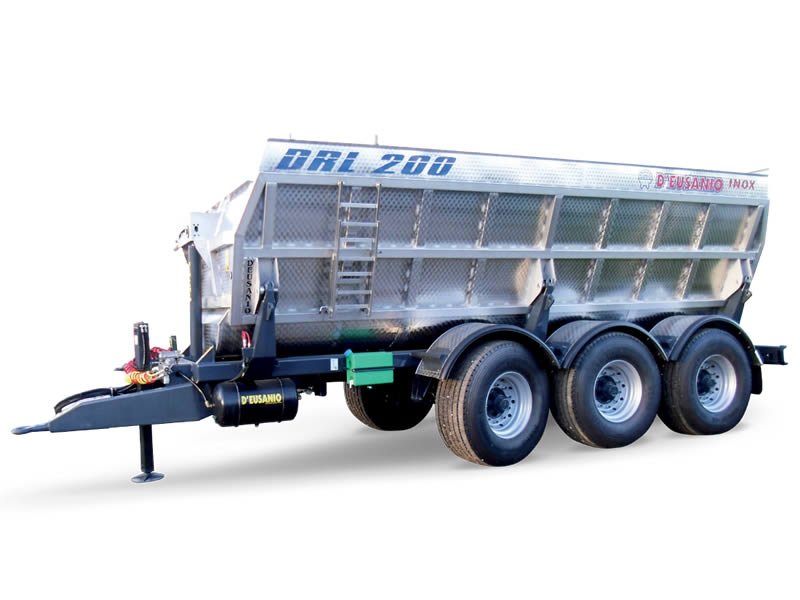 Three axles farming or grapes carriage trailer with bilateral Hydraulic titlting system. Up to 20.000 kg capacity