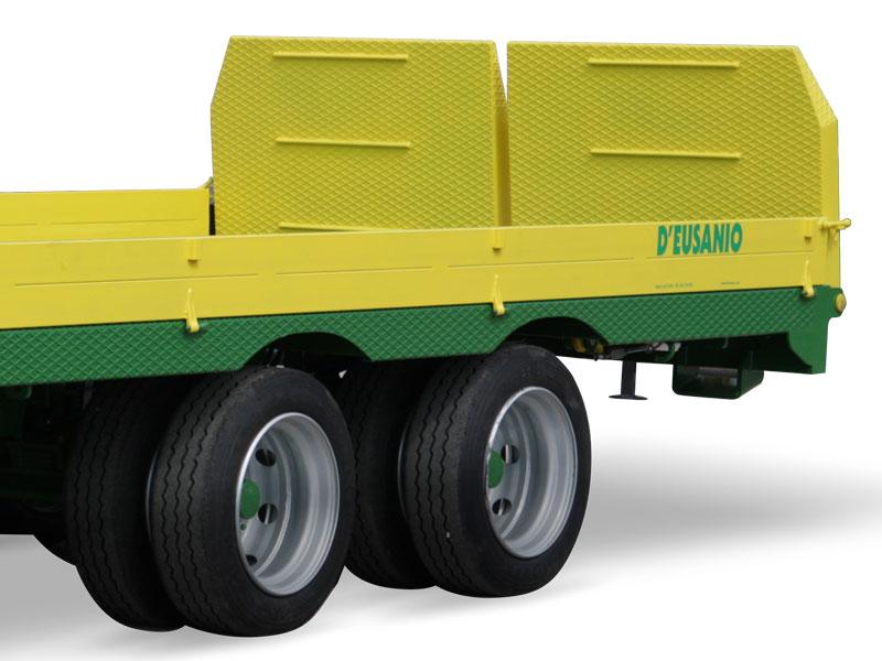 Rimorchio biasse a pianale trasporto macchine agricole for D eusanio rimorchi