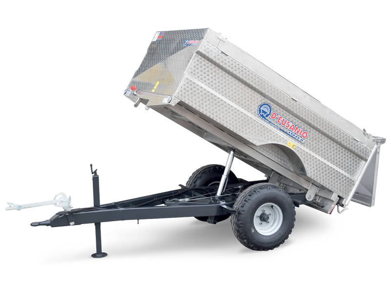 Rear tilting system trailer for grapes carriage. Up to 3.800 kg capacity